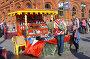 Торговля сувенирами  около Кремля, эксклюзивное фото № 276623, снято 4 мая 2008 г. (c) lana1501 / Фотобанк Лори