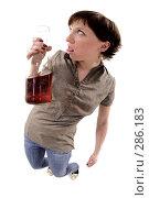 Купить «Проблемы женщин с алкоголем», фото № 286183, снято 12 мая 2008 г. (c) Михаил Малышев / Фотобанк Лори