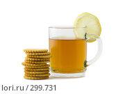 Купить «Чай с лимоном и печеньем», фото № 299731, снято 19 мая 2008 г. (c) Рыбин Павел / Фотобанк Лори