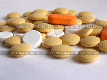 Купить «Таблетки», фото № 301527, снято 15 мая 2008 г. (c) Трошина Марина / Фотобанк Лори