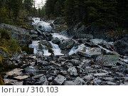 Купить «Русло горной реки», фото № 310103, снято 14 ноября 2018 г. (c) Андрей Пашкевич / Фотобанк Лори