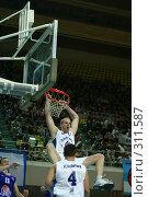 Купить «Баскетбол», фото № 311587, снято 3 мая 2004 г. (c) Морозова Татьяна / Фотобанк Лори