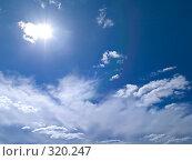 Купить «Небо с облаками и солнечным бликом», фото № 320247, снято 23 апреля 2008 г. (c) Алексей Пантелеев / Фотобанк Лори