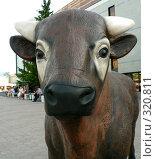 Купить «Фигура коровы. Фрагмент. Караганда», фото № 320811, снято 22 сентября 2018 г. (c) Вера Тропынина / Фотобанк Лори
