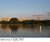 Купить «Район Орехово-Борисово. Москва», фото № 328747, снято 19 июня 2008 г. (c) Юлия Селезнева / Фотобанк Лори