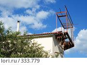 Купить «Часть деревенского дома», фото № 333779, снято 23 июня 2008 г. (c) Цветков Виталий / Фотобанк Лори