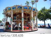 Купить «Карусель в Каннах. Франция», фото № 335635, снято 13 июня 2008 г. (c) Екатерина Овсянникова / Фотобанк Лори