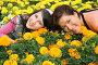 Мама с дочкой среди цветов, фото № 340479, снято 21 января 2017 г. (c) Losevsky Pavel / Фотобанк Лори