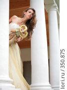 Купить «Невеста с куклой», фото № 350875, снято 3 июля 2008 г. (c) Astroid / Фотобанк Лори