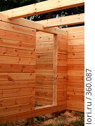 Купить «Строительство деревянного дома. Потолочные балки.», фото № 360087, снято 13 июля 2008 г. (c) Алла Матвейчик / Фотобанк Лори