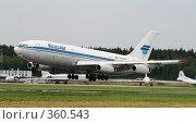 Купить «Самолет ИЛ-86», фото № 360543, снято 28 июня 2008 г. (c) Андрей Ильинский / Фотобанк Лори