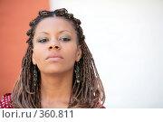 Купить «Серьезная афро-русская девушка», фото № 360811, снято 13 июля 2008 г. (c) Astroid / Фотобанк Лори