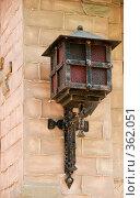Купить «Уличный фонарь в старинном стиле. Чернигов.», фото № 362051, снято 18 мая 2008 г. (c) Ирина Игумнова / Фотобанк Лори