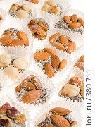 Купить «Ореховые сладости», фото № 380711, снято 25 июля 2008 г. (c) Валерия Потапова / Фотобанк Лори