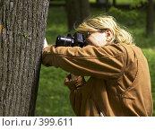 Купить «Женщина-фотограф», фото № 399611, снято 25 мая 2006 г. (c) Vasily Smirnov / Фотобанк Лори