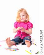 Купить «Ребенок с карандашами», фото № 423391, снято 22 августа 2008 г. (c) Эдуард Жлобо / Фотобанк Лори