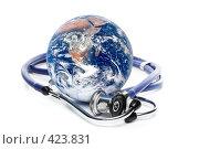 Купить «Глобус и стетоскоп на белом фоне», фото № 423831, снято 21 мая 2008 г. (c) Мельников Дмитрий / Фотобанк Лори