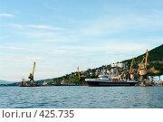 Купить «Рыбный порт», фото № 425735, снято 15 августа 2018 г. (c) Владимир Карпов / Фотобанк Лори