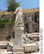 Купить «Статуя доктора Александроса в Эфесе», фото № 428103, снято 16 июля 2008 г. (c) Дмитрий Глебов / Фотобанк Лори