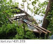 Старая лодка с веслами. Стоковое фото, фотограф Ирина Трофимова / Фотобанк Лори
