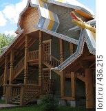 Купить «Деревянный дом в русском стиле», фото № 436215, снято 5 августа 2008 г. (c) Морковкин Терентий / Фотобанк Лори