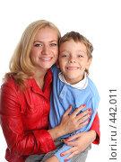 Купить «Счастливая мама с сыном», фото № 442011, снято 5 сентября 2007 г. (c) Гладских Татьяна / Фотобанк Лори