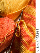 Купить «Вязание: нитки, крючок и клубки», фото № 443991, снято 7 сентября 2008 г. (c) Малютин Павел / Фотобанк Лори