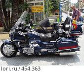 Мотоцикл - вид с боку (2008 год). Редакционное фото, фотограф Лариса Дамьян / Фотобанк Лори