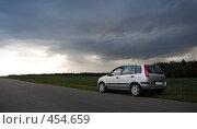 Купить «Путь к свету», фото № 454659, снято 20 августа 2018 г. (c) Владислав Грачев / Фотобанк Лори