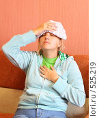 Купить «Молодая женщина с головной болью», фото № 525219, снято 25 октября 2008 г. (c) Анна Игонина / Фотобанк Лори