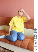 Купить «Девушка с головной болью», фото № 525299, снято 25 октября 2008 г. (c) Анна Игонина / Фотобанк Лори