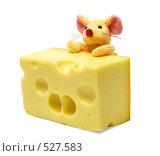 Плюшевая мышь и кусок сыра. Стоковое фото, фотограф Егор Архипов / Фотобанк Лори