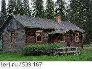 Старый деревянный сельский дом 1890 года постройки. Стоковое фото, фотограф Алексей Семенов / Фотобанк Лори
