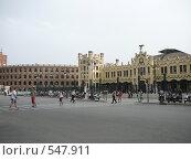 Вокзал и колизей в Валенсии, Испания (2008 год). Редакционное фото, фотограф Дживита / Фотобанк Лори