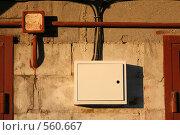 Купить «Электропроводка в гаражном кооперативе», фото № 560667, снято 13 ноября 2008 г. (c) Игорь Веснинов / Фотобанк Лори