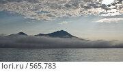 Остров Итуруп в тумане. Стоковое фото, фотограф Иван Алферов / Фотобанк Лори