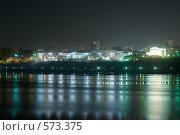 Купить «Ночной город Пермь. Вид с реки Камы», фото № 573375, снято 15 ноября 2008 г. (c) Александр Лядов / Фотобанк Лори
