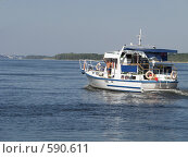 Купить «Яхта на реке», фото № 590611, снято 6 августа 2007 г. (c) Александр Михалёв / Фотобанк Лори