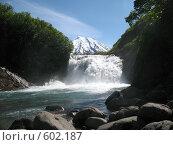Купить «Камчатка, водопад», фото № 602187, снято 11 июля 2007 г. (c) Легкобыт Николай / Фотобанк Лори