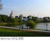 Купить «Новодевичий монастырь. Москва», эксклюзивное фото № 612435, снято 9 августа 2008 г. (c) lana1501 / Фотобанк Лори