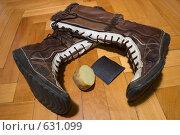 Купить «Рецепт, как сделать обувь нескользкой», фото № 631099, снято 25 декабря 2008 г. (c) Артем Ефимов / Фотобанк Лори