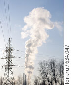 Купить «Трубы завода с дымом», фото № 634047, снято 27 декабря 2008 г. (c) Александр Шилин / Фотобанк Лори