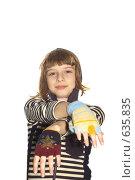Купить «Девочка в митенках на белом фоне», фото № 635835, снято 19 ноября 2008 г. (c) Павел Савин / Фотобанк Лори