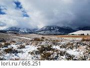Купить «Снег в горах, Америка», фото № 665251, снято 11 октября 2008 г. (c) Estet / Фотобанк Лори