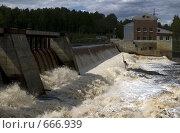 Купить «Вид на Игнойльскую ГЭС», фото № 666939, снято 13 июня 2008 г. (c) Елена Прокопова / Фотобанк Лори