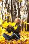 Девушка в осеннем парке, фото № 671695, снято 26 октября 2008 г. (c) Raev Denis / Фотобанк Лори