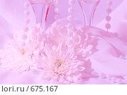Бокалы и цветы. Стоковое фото, фотограф Светлана Архи / Фотобанк Лори