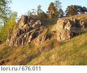 Купить «Скальный выступ на озере Тургояк», фото № 676011, снято 20 мая 2006 г. (c) Алексей Стоянов / Фотобанк Лори