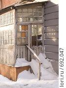 Крыльцо старого дома. Стоковое фото, фотограф Андрей Сверкунов / Фотобанк Лори