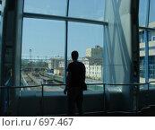 Провожающий (2007 год). Редакционное фото, фотограф Соколова Анастасия / Фотобанк Лори